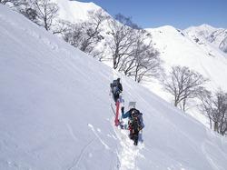 谷川岳が雪崩でゴゴゴゴゴー!!!