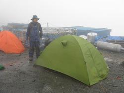 北岳登山は大雨で始まった。