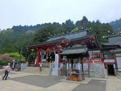神奈川県の丹沢大山を1歳の息子担いで登って、下りはケーブルカーで下山☆