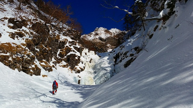 パタゴニア ダスパーカ(DAS PARKA)は雪山でもかなり温かい♪購入使用レポ!